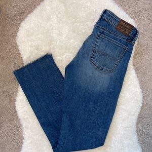 Luck brand sweet straight jeans medium wash size 8/29 long
